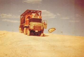 Mein Mercedes mit 70 tausend Liter Container